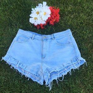 Ruffle Hem Cutoff Shorts